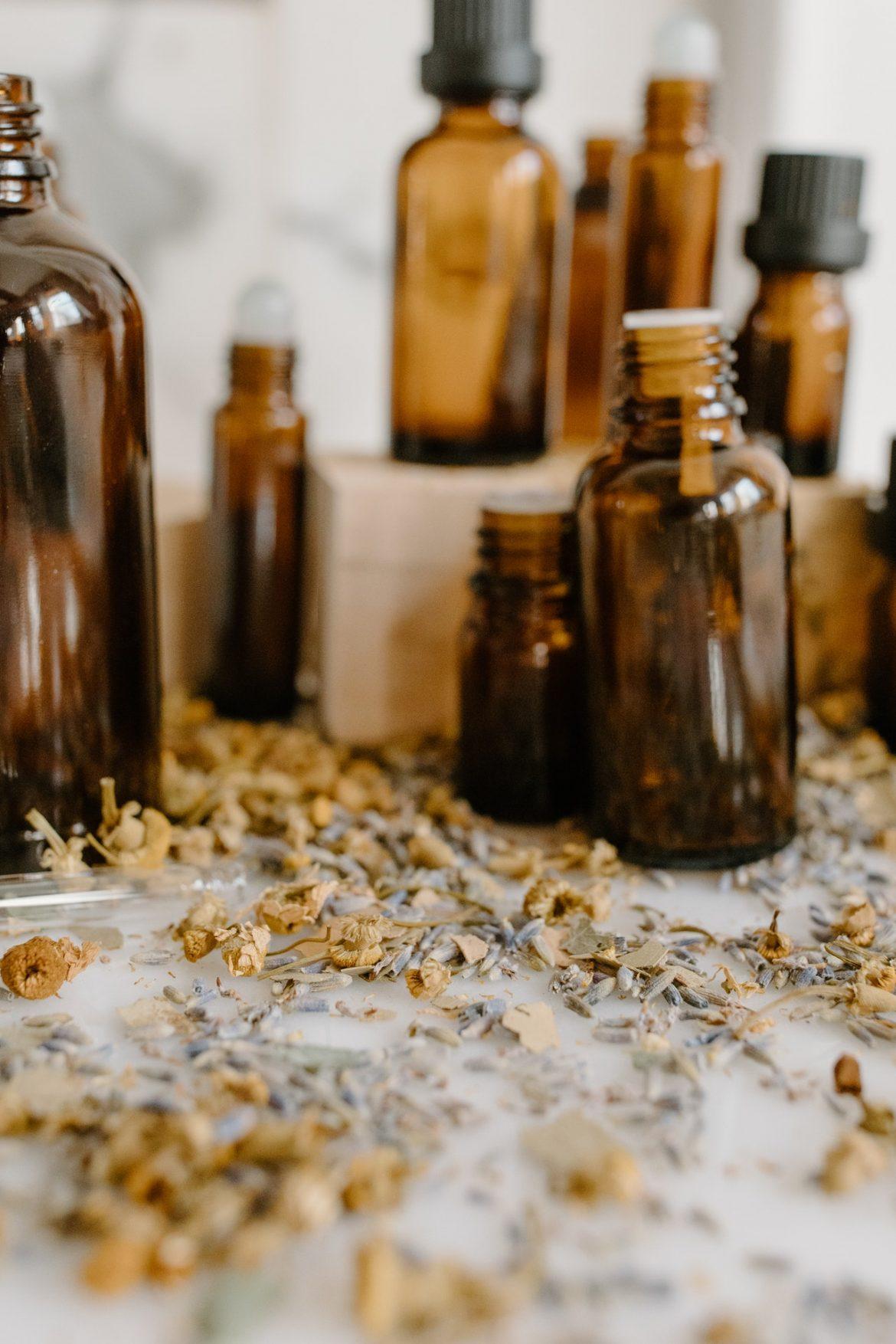 Les 6 meilleures huiles essentielles pour aider à raffermir la peau relâchée