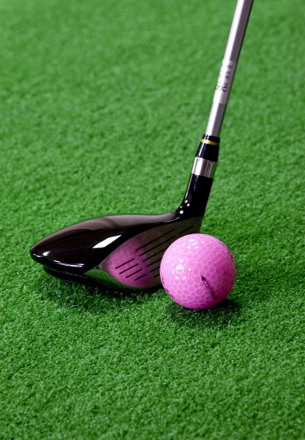 Ce que vous devez savoir avant d'acheter un simulateur de golf pour jouer chez vous